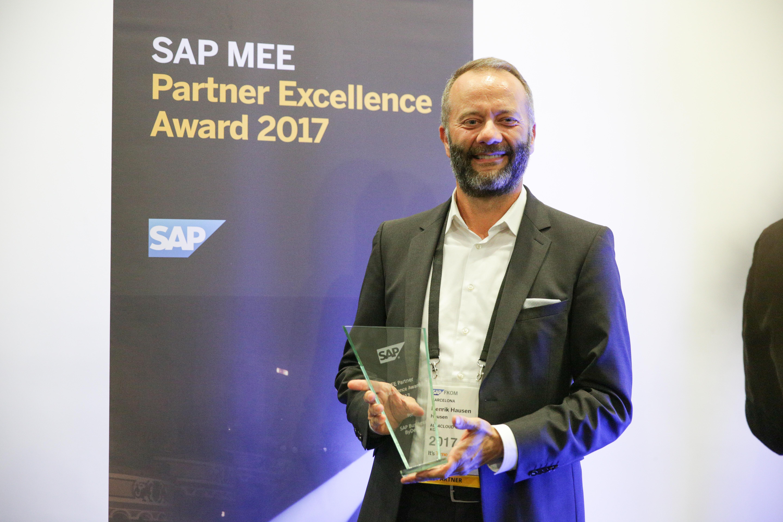 SAP Partner Excellence Award - Henrik Hausen mit Auszeichnung